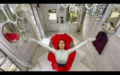 Noelani Pantastico in Penny Saunders' AlicePhoto Bruno Roque