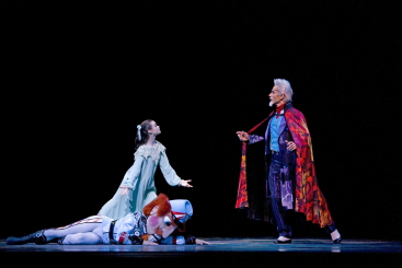 Elizabeth Powell as Clara and Damien Smith as Drosselmeyerin Helgi Tomasson's NutcrackerPhoto Erik Tomasson