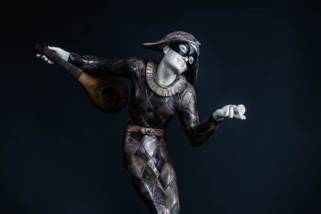 Harlequin StatuePhoto Ali Wright, Dance Gazette