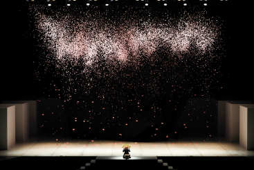Maurice Béjart's M for The Tokyo BalletPhoto Kiyonori Hasegawa