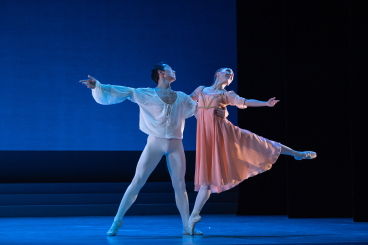 Ruslan Savdenov and Aleksandra Surodeeva in Romeo and JulietPhoto David Herrero