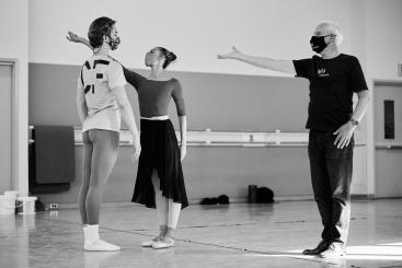 Helgi Tommason with Nikisha Fogo and Julian MacKay rehearsing Tomasson's new workPhoto Erik Tomasson