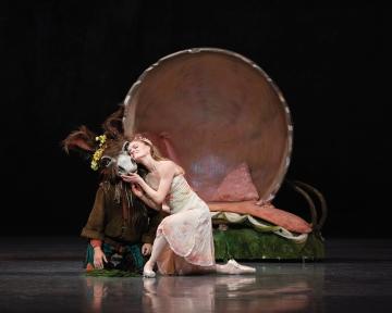 Sasha De Sola as Titania and Lucas Erni as Bottom in Balanchine's A Midsummer Night's DreamPhoto Erik Tomasson