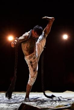 Chu Po-cheng in Heart Scenery by Wu Tsai-lin for Tai Gu Tales Dance TheatrePhoto Xiao Luo