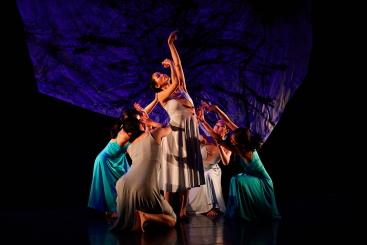Tai Gu Tales Dance Theatre in Heart Scenery by Wu Tsai-linPhoto Xiao Luo