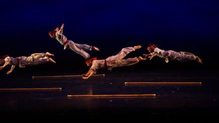 Nai-Ni Chen Dance Company in Ten Miles A DayPhoto Anthony Alverrez