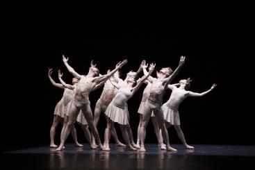 Polish National Ballet in Moving Rooms by Krzysztof PastorPhoto Ewa Krasucka, Polish National Opera