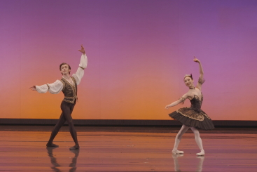 Mai Kageyama and Patryk Walczak in Satanella from part 3 of Polish National Ballet's New Year GalaPhoto Ewa Krasucka, Polish National Opera