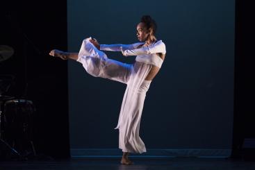 Annique Roberts in GracePhoto Julietta Cervantes