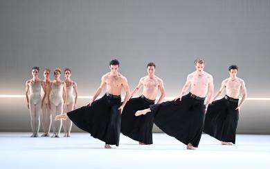 Stuttgart Ballet in Grosse FugePhoto Stuttgart Ballet